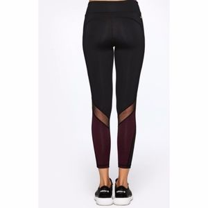 ALALA Heroine Tight - Black & Maroon Size SMALL